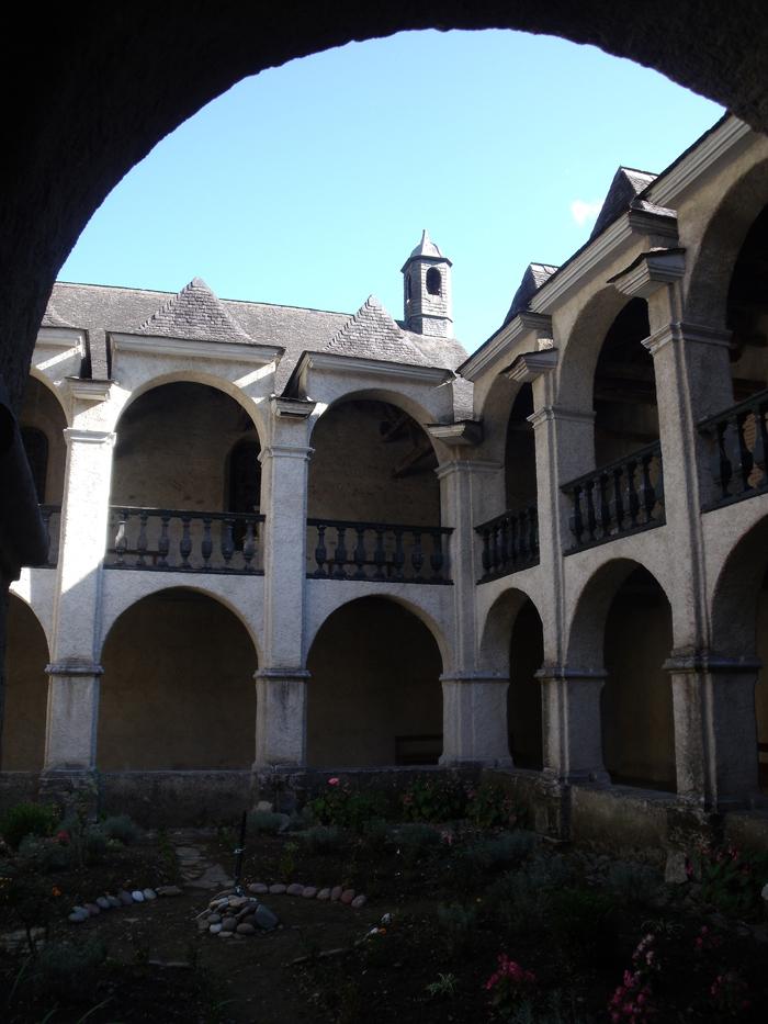 Le cloître de Sarrance